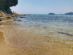 плаж-навагос-палио-кавала-пясък-вода